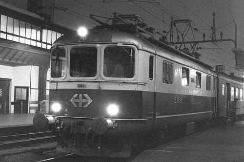 Gare Cornavin, une locomotive