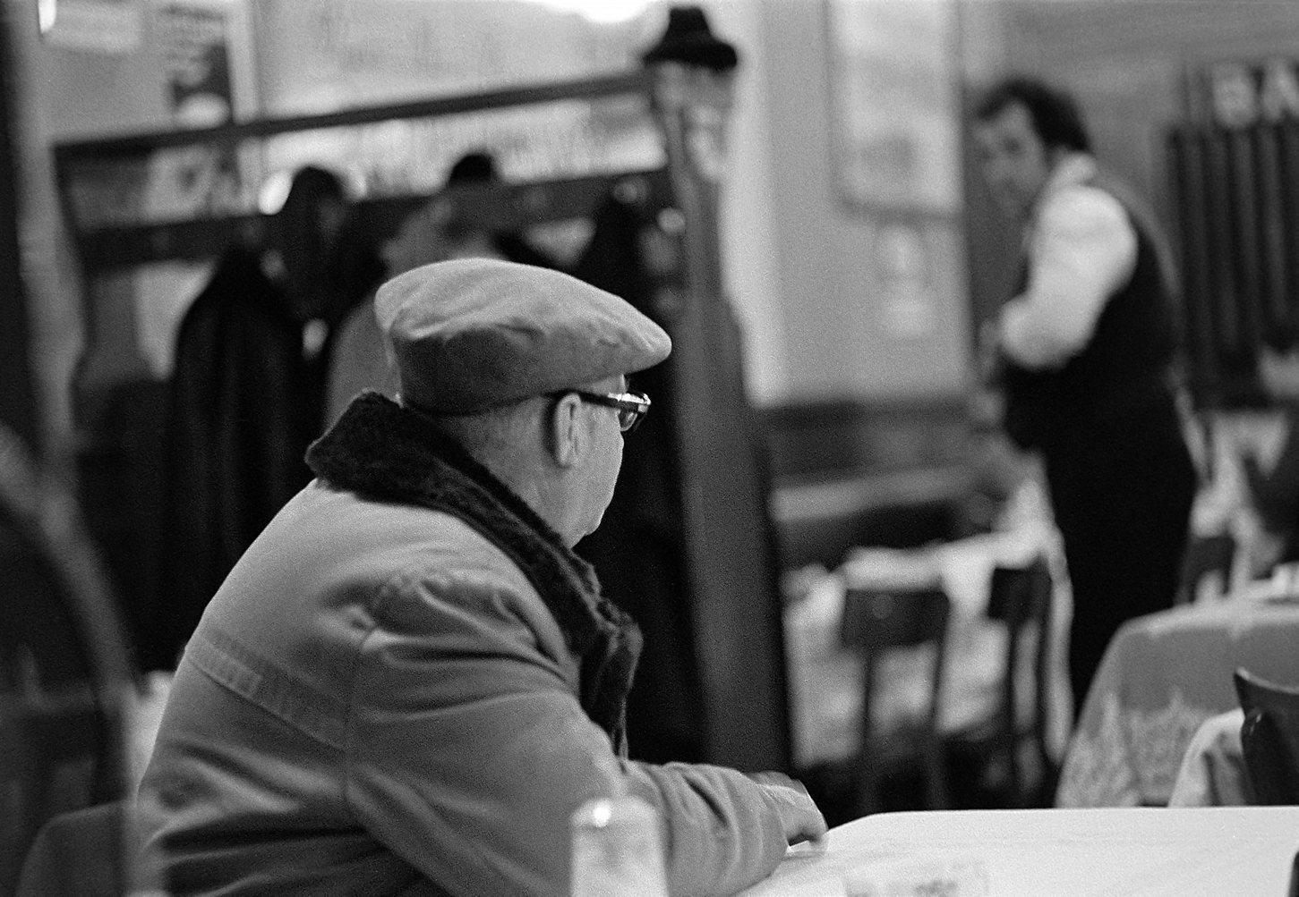 Brasserie Monopole, j'attends à boire