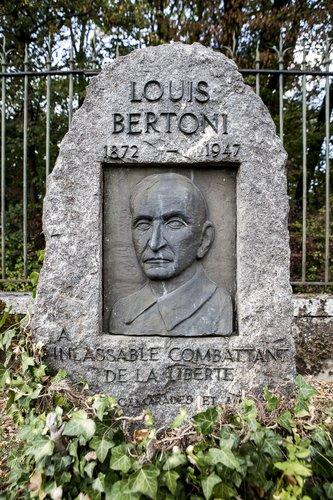 Tombe de Luigi Bertoni