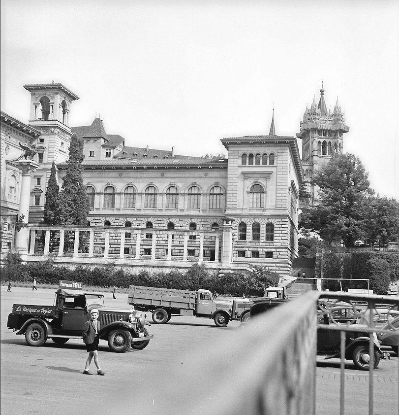 Lausanne place de Riponne