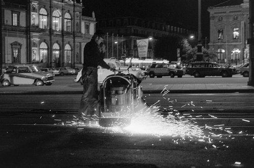 Genève, travaux nocturnes sur la Place de Neuve