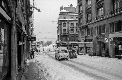 Genève, la Rue de la Fontaine et la Place de Longemalle