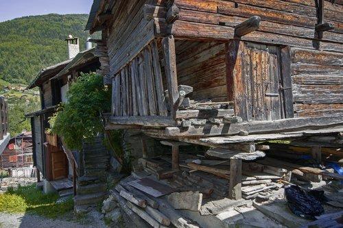 Ancienne construction à  Mayoux, Anniviers